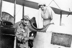 Dos integrantes de la familia Meade, posiblemente en los años 20 del pasado siglo, en México.