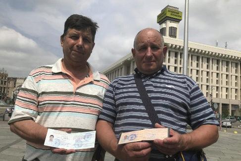 Los liquidadores Bogdan Vasik y Andrei Fulchenski, en Kiev