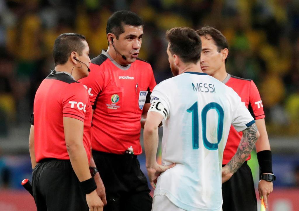 """Messi, duro con el árbitro: """"Se cansaron de pitar penaltis pelotudos y hoy ni siquiera fueron al VAR"""""""