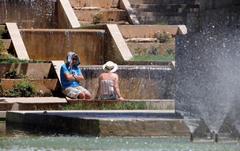 IT>Palma</HIT>, este sábado, a pesar del intenso calor previsto para hoy. Por la ola de calor, que desde el jueves afecta a gran parte de la península y Baleares, la Agencia Estatal de Meteorología (Aemet) ha activado la alerta naranja para este sábado en el interior de Mallorca, donde las temperaturas máximas pueden alcanzar los 39 grados.