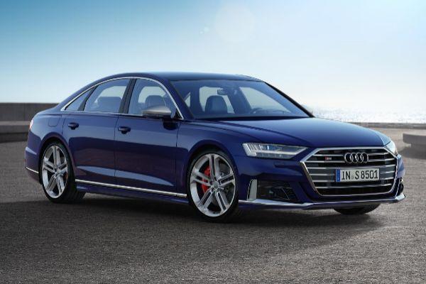 Audi renueva el S8, con 571 caballos y suspensión activa predictiva
