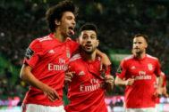 Joao Félix y Pizzi celebran un gol con el Benfica