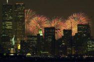 Fuegos artificiales en Manhattan durante la celebración del 4 de julio.