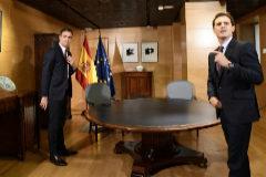 Pedro Sánchez y Albert Rivera, durante una reunión en el Congreso.