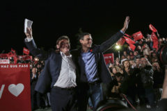 Pedro Sánchez, junto a Ximo Puig, en un mitin en Valencia.