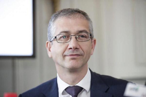 El gobernador del Banco de España Pablo <HIT>Hernandez</HIT> de...