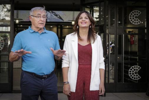 Joan Ribó y Sandra Gómez tras la primera reunión en el Rialto.