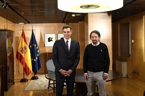 Pedro Sánchez y Pablo Iglesias, en su reunión en el congreso del 11...