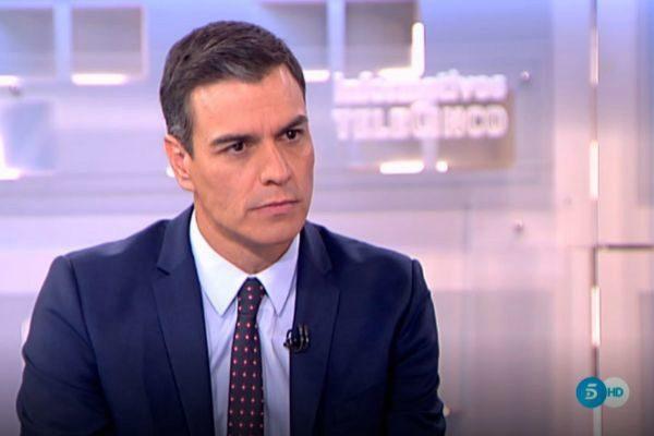 Pedro Sánchez, en un momento de la entrevista en Telecinco.