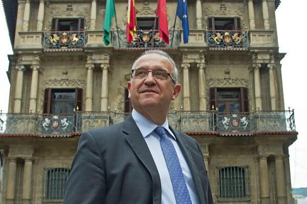 El alcalde de Pamplona Enrique Maya.