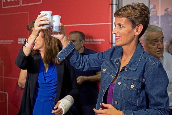 María Chivite celebra junto a Maite Esporrín los resultados de las elecciones del pasado 26 de mayo.