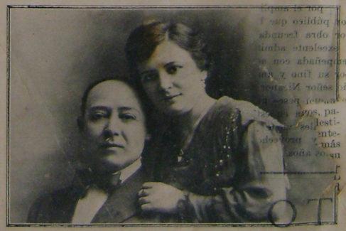 Antonio Cuco Álvarez Mata, con su esposa.