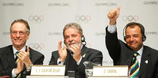 FILE PHOTO: Rio de <HIT>Janeiro</HIT> 2016 President Carlos Nuzman, President Luiz Inacio Lula da Silva of Brazil and Rio de <HIT>Janeiro</HIT> Governor Sergio Cabral celebrate following the signing of the host city contract for the 2016 Olympic Games during the 121st IOC sess