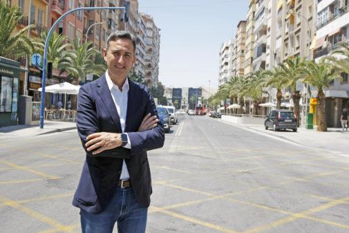 César Sánchez, en la avenida de la Estación de Alicante.