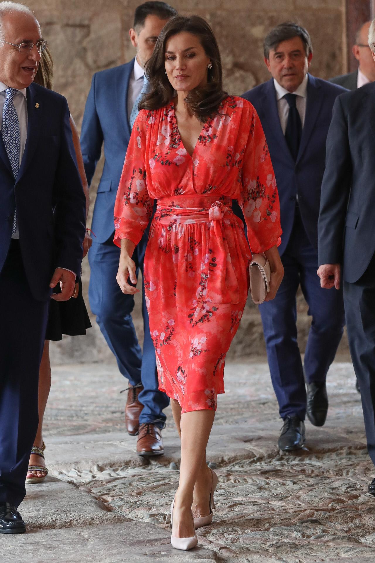 Letizia ha tirado de fondo de armario y ha recuperado este vestido de...