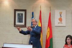 El nuevo alcalde, José María Pérez (PP) en el pleno de investidura.