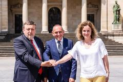 José Antonio Suso, Ramiro González y Cristina González tras anunciar la composición del nuevo gobierno de Álava.