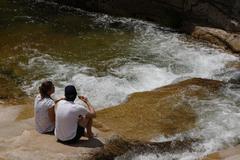 La Comunidad recomienda no acercarse al agua en La Pedriza por una bacteria