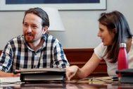 El secretario general de Podemos, Pablo Iglesias, y la portavoz de la formación, Irene Montero, en la reunión de la mesa política del grupo confederal Unidas Podemos.