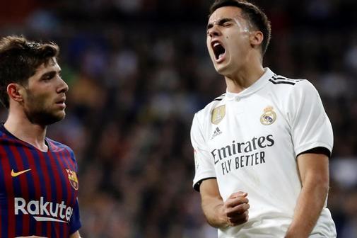 Reguilón, durante un partido contra el Barça de la pasada temporada.