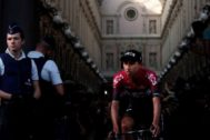 Brussels (Belgium).- Colombia's Egan Arley <HIT>Bernal</HIT> Gomez of Team Ineos crosses the Galerie Royale Saint Hubert during the team's presentation two days ahead of the 106th edition of the Tour de France cycling race in Brussels, Belgium, France, 04 July 2019. The 106th edition of the Tour de France will start in Brussels on 06 July 2019. (Ciclismo, Bélgica, Francia, Bruselas) EPA/