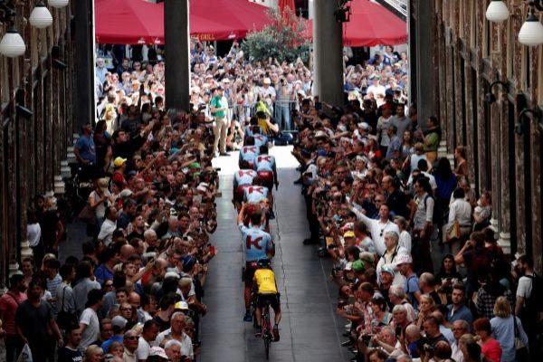 Brussels (Belgium).- Katusha Alpecin team riders cross the Galerie...