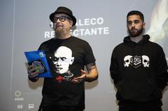 Parte del grupo Def con Dos, con su líder César Strawberry (izq).