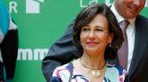 La presidenta del Banco Santander, Ana Botín, en un encuentro con los...