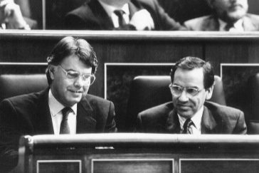 Las cartas inéditas a Felipe González de sus ministros