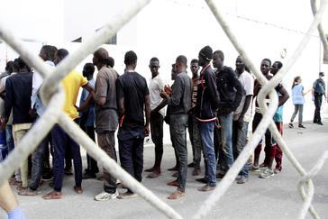 Inmigrantes, en el puerto de Motril el 3 de julio pasado.