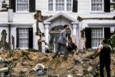 Tom Hanks, en un fotograma de 'Esta casa es una ruina' (1986).