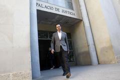 Miguel López en el Palacio de Justicia de Alicante.