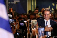 La derecha  barre a  Alexis Tsipras con una apabullante victoria