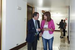 El presidente del PP vasco, Alfonso Alonso, y la secretaria del PSE, Idoia Mendia.
