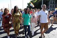 Begoña Villacís, con Patricia Reyes, Inés Arrimadas e Ignacio Aguado este sábado en la manifestación del Orgullo.