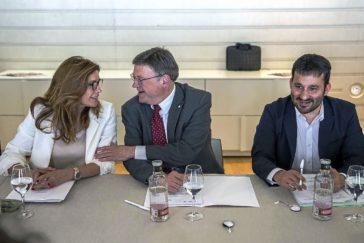 Susana Lloret, el presidente Ximo Puig y el conseller Vicent Marzà, en una reunión del patronato de la Fundación.