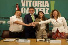 Suso, Urtaran, Rtxebarria y González, tras la presentación del cuerdo.