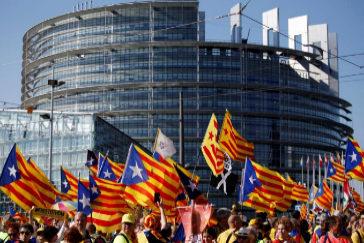 Manifestación independentista frente a la sede del Parlamento Europeo en Estrasburgo.