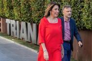 Susana Díaz y José Fiscal a su llegada al encuentro informativo de la SER en Sevilla