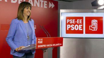 La secretaria general del PSE-EE Idoia Mendia durante su última comparecencia ante los medios.