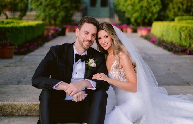 Pau Gasol y Cat McDonnell, en la foto que han compartido de su boda.