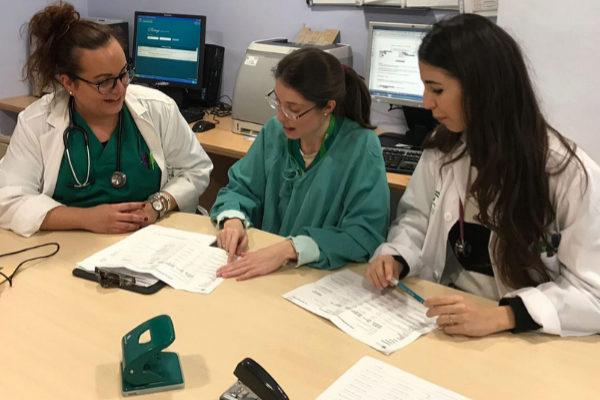 Profesionales de la sanidad andaluz en un centro de salud.