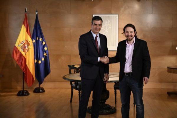 Pedro Sánchez y Pablo Iglesias, tras su reunión de ayer.