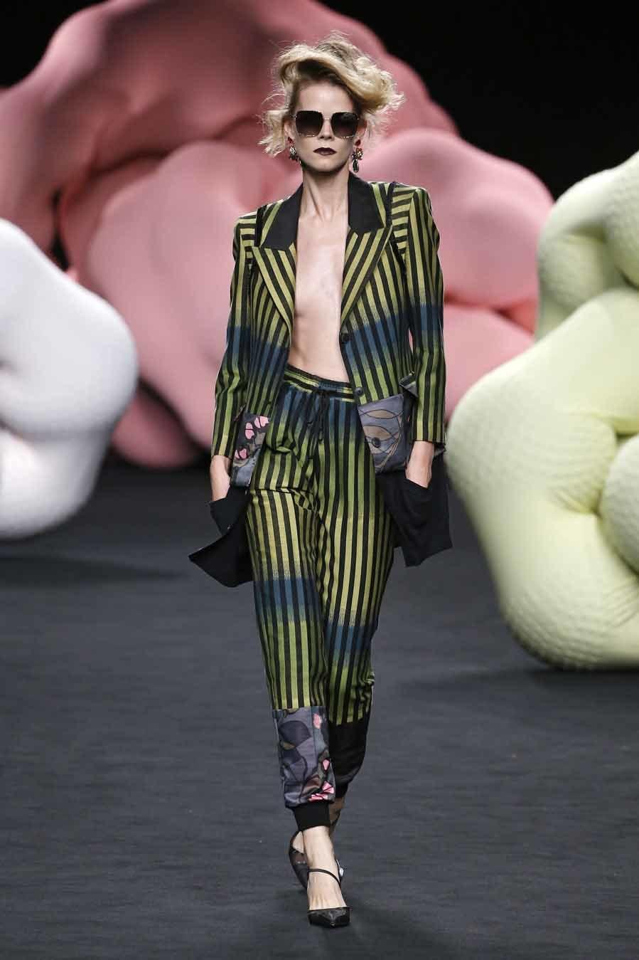 Desfile Ana Locking - Mercedes-Benz Fashion Week Madrid - Colección...