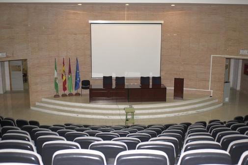 Aula magna de la Faculta de Turismo en la Universidad de Málaga