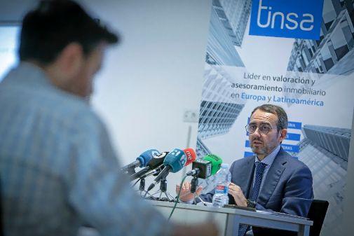 Vicente Torres, delegado de Tinsa en Valencia, ayer durante la rueda de prensa.