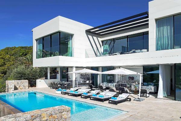 Imagen de Casa Dalí, ubicada muy cerca de la del director de la saga Bond, Guy Hamilton, en el Puerto de Andratx.