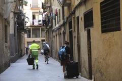 Turista en una calle de Ciutat Vella