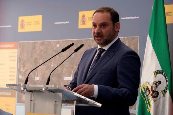 El ministro de Fomento en funciones, José Luis Ábalos, este martes...