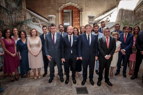 El presidente de la Diputación, Toni Gaspar, junto al presidente de la Generalitat, Ximo Puig, y miembros de la corporación.